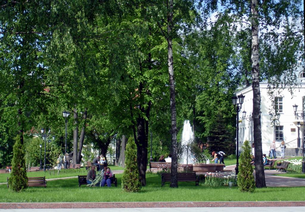 Pushkin Public Garden: under the cover of inspiration.